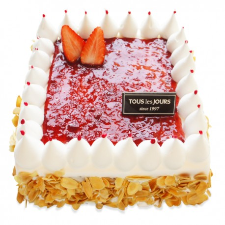 Magic Strawberry Square Fresh cake